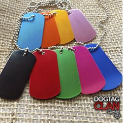 Dog tag coloridas