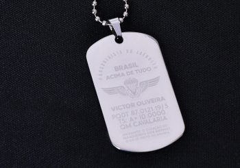 Dog tag placa plaqueta pingente aço inox 316L gravação baixo relevo